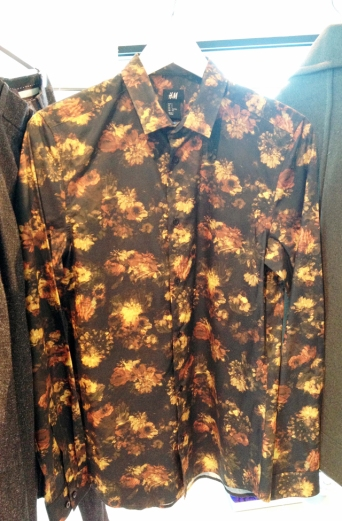 Nature-toned floral printed shirt