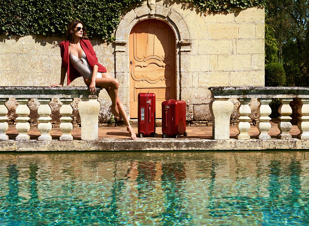 Alessandra Ambriosio and RIMOWA Salsa Deluxe_lr